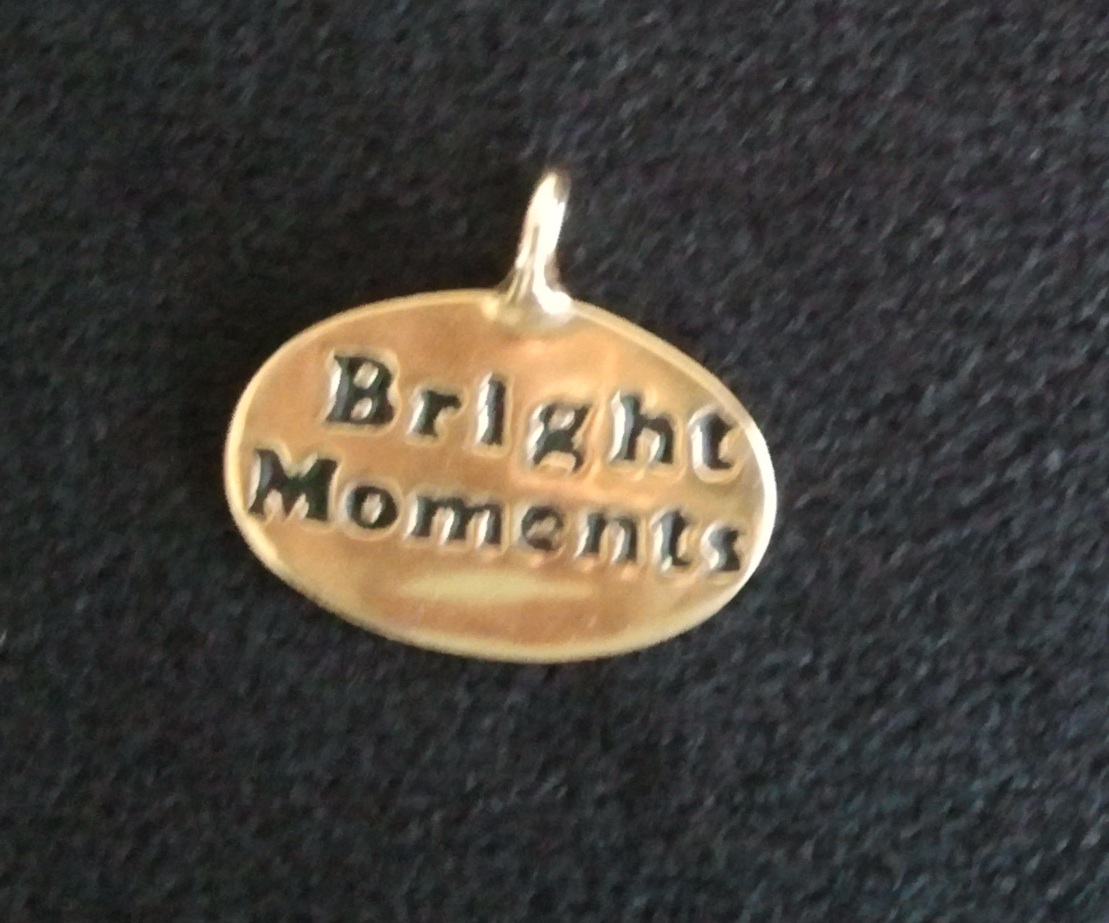 Bright moments pendant